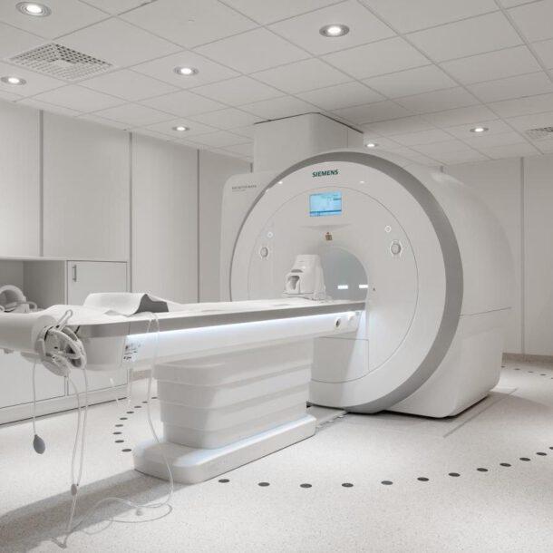 Rezonans magnetyczny otwarty